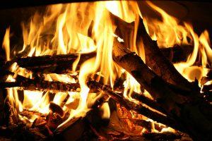 Le chauffage au bois, recours face à la baisse annoncée de la production électrique